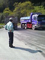 トラックの通行状況