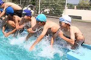千鳥小学校のプール開き