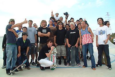 集まった国際色豊かなスケートボーダー