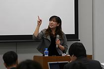 講師の猿渡直美さん