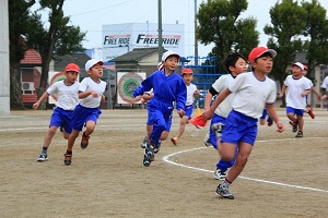 子どもたちの懸命な走り!