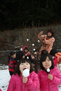 寒さもへっちゃら!楽しく雪遊び