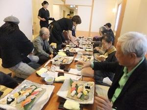 皆さん大満足の寿司ランチ!
