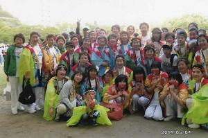 よさこい古賀連のメンバーで集合写真!