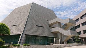 福岡県議会棟