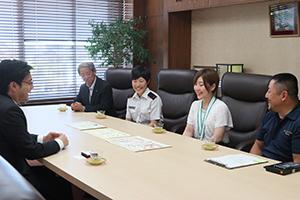 上田碧さんと可生さん姉妹成果報告訪問