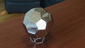 ナダヨシ作ステンレスサッカーボール