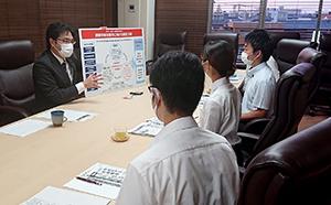 県内の大学生たちが古賀市を訪問