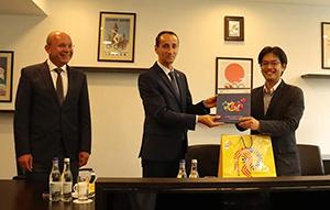 ルーマニアオリンピック委員会のミハイ・コバリュウ会長や柔道連盟のコズミン・グシャ会長と会談
