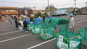 古賀市役所駐車場に特設の分別収集会場を開設