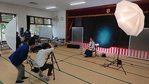 九州産業大学の造形短大部の学生さんたちによる遺影撮影会
