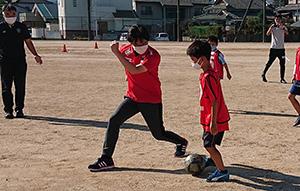 アビスパ福岡の皆さんにもご協力いただき、初体験したウォーキングサッカー