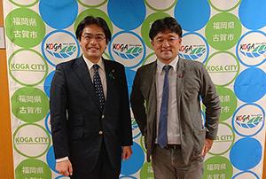木藤亮太さん(まちづくり会社ホーホゥ代表取締役)と