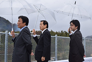 2016年小川洋知事の来訪時には地元の県議として県の産業振興に重要なプロジェクトであることを説明しました
