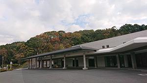 北筑昇華苑正面に大きな屋根を設置