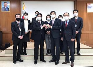 李総領事をはじめ総領事館の皆さまに心から感謝いたします