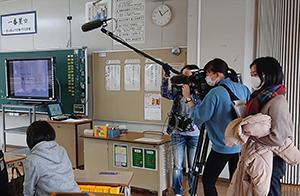 教育現場へのこうしたアプローチは全国的にも珍しく、舞の里小は先行実施校になり、NHKの取材も入りました