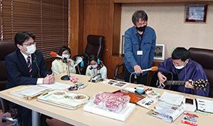 KBC「ふるさとWish」ラジオ番組「PAO~N」のコーナーで、波田陽区さんが市役所へ!
