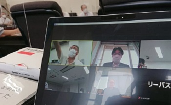 幹部会議はオンライン活用のハイブリッド形式