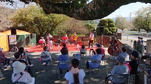 須賀神社でのおもてなしステージ